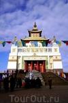 Центральный хурул (Золотая Обитель Будды Шакьямуни)