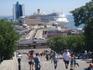 192 ступеньки Потемкинской лестницы ведут в порт.
