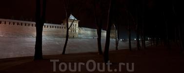 Кремль. Вечер.