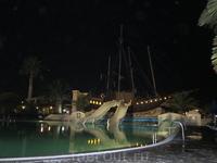 Вечерний бассейн