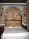 Это наш номер в отеле Астория - восхитительные фрески в каждом номере