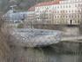 Дунай, стеклянный мост, на нем кафе, детская игровая