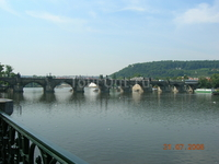 Прага - это столица мостов.