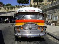 Забавный мальтийский автобус