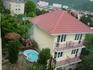 Вид с балкона во двор дома по ул.Шевченко п.Лазаревское