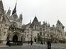Интереснейшее и красивейшее сооружение, точнее комплекс зданий - The Royal Court of Justice на улице Стрэнд в центре Лондона, который был возведён в 1873—1882 ...