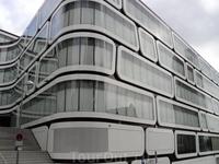 похоже на отель, точное назначение здания не знаю.. понравились линии...)