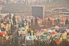 Вид на Карловы Вары с башни Дианы.