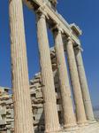 Автор проекта храма неизвестен. Некоторые исследователи, находя аналогии в планировке Эрехтейона и Пропилей, считают, что им мог быть афинский зодчий Мнесикл ...