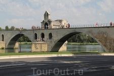 Пешеходный мост Сен-Бенезе