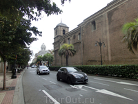 Город очень чистый, уютный, чем-то похож на свою соседку Валенсию.