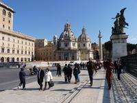 На площади Венеции...........