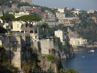 Вид с террасы отеля на Эсильсир Виторио.