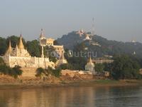 Раннее утро, р.Ирравади, на пути из Мандалая в Баган