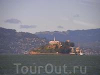 остров Алькатрас с тюрьмой