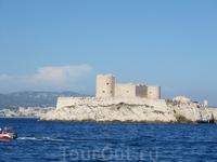 Вдоволь побродив по крепости и её тюремным казематам покидаем замок Иф. Последнии кадры на память.