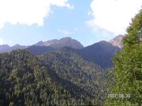 Абхазия. Горы около озера Рица