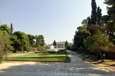 Национальный сад в Афинах, прежнее название Королевский сад — парк, заложенный первой королевой независимой Греции Амалией Ольденбургской, женой короля ...