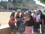 Испанцы - очень веселый народ. Праздник. Вся молодежь нарядилась. Каждая группировка по своему, кто пиратами, кто в одинаковых шляпах, кто в галстуках ...