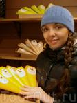 Шоколадная фабрика в Бьёрнэне отличный шоколад, большой выбор конфет и сладостей на любой вкус... Я выбрала конфеты с морошковой начинкой (люблю мор