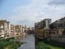 Жирона... а реке рыба плавает - сама видела! Красный мост проектировал Гюстав Эйфель..