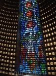 Один из витражей собора Метрополитана