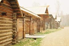 Улица старинного сибирского города. Музей - Тальцы.
