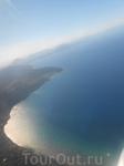 Частичка острова Корфу с высоты птичьего полета -  с самолета. Взлетно-посадочная полоса на острове небольшая, поэтому снижаться самолеты начинают уже ...