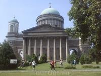 Базилика Святого Адальберта.