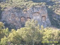 Ликийские королевские гробницы.
