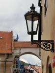 Из замка мы выходим в город. Говорят, что Крумлов один из немногих городов, в которых полностью сохранилась архитектура средневековья. Дома стоят баснословных ...