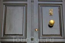 Двери Линдоса похожи на двери Сусса