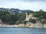 Путешествие на кораблике из Калельи в Тоссу де Мар и обратно. В этом замке живет богатая семья Льорет де Мара