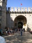 Дворец Топкапи. «Ворота приветствия» – «Bab-us Selam».
