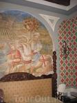 фреска над кроватью