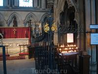 Йоркский кафедральный собор внутри.