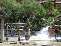 Бассейн с серо-водородной термальной водой