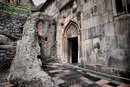 Высеченный в скале храм Гегард - чудо архитектуры и объект Юнеско
