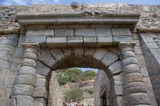 Крит – это настоящий рай. Но лепрозорий на Спиналонге был адом в раю! Один из входов в крепость Спиналонга даже назвали «Ворота Данте», поскольку когда ...