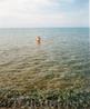Вода в Иссык-Куле исключительно прозрачна.