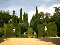 Сады Святой Клотильды (Jardins de Santa Clotilda) - они расположены рядом с пляжем Sa Boadella, в 15 мин. хотьбы от пляжа Fenals и 25-30 мин - от центра Йорета.