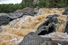 Один из Рускеальских водопадов