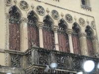 бесконечное множество балконов, и каждый по своему уникален. Этот понравился особенно