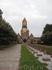 Это крематорий Sudfriedhof, а перед ним могилы, очень чисто и ухоженно...