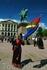 Представители саамского народа также празднуют День Независимости Норвегии - 17 мая. У Королевского дворца с национальным флагом саамов. Осло.  Foto: ...