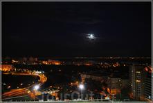 Вид из окна на Лиссабон...Столица Португалии расположена на живописных холмах в устье реки Тежу, на берегу Атлантического океана. Низкая линия горизонта ...