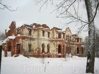 Руины Гостилиц (Гостилицы Ленинградской области)