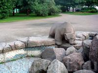 на территории Собора Петра и Павла находится фонтан (даже не знаю действующий ли)