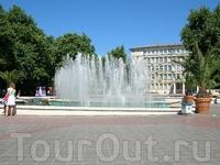 Фонтан на центральной площади