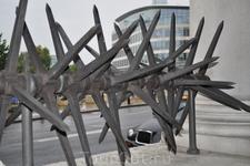 Военный мемориал в Тауэр Хилл.